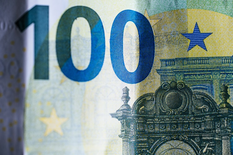 The story of the €100note